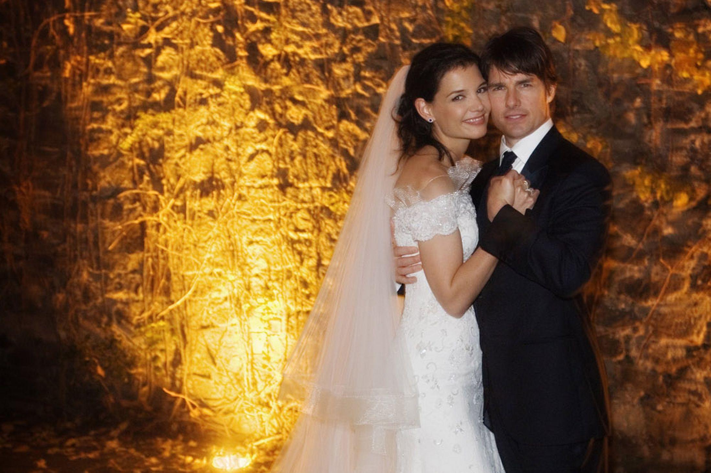 A Igreja da Cientologia pagou Katie Holmes e Nicole Kidman para se casar com Tom Cruise