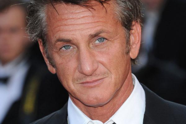 Sean Penn deixou a Mecânica Automotiva para ir a um grupo de teatro