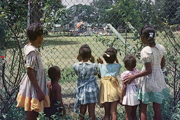 Observando desde fora, 1956