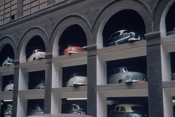 Estacionamento, 1953