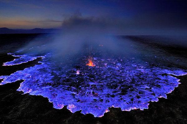 Vulcão azul na Etiópia.