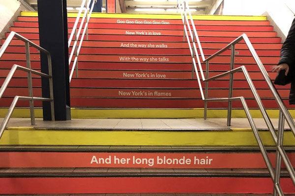 Inclusive nas escadas