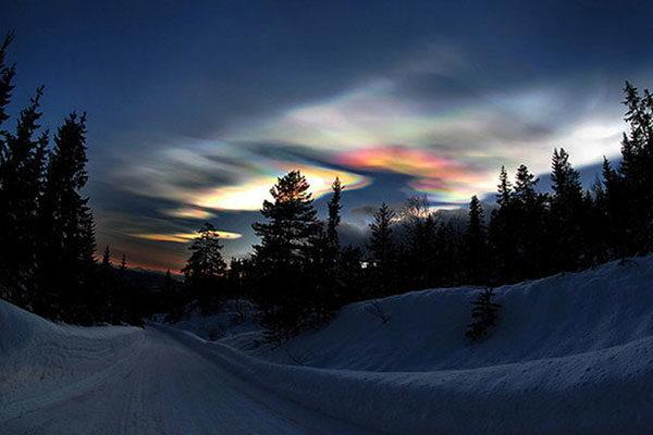 Nuvens peroladas no Ártico